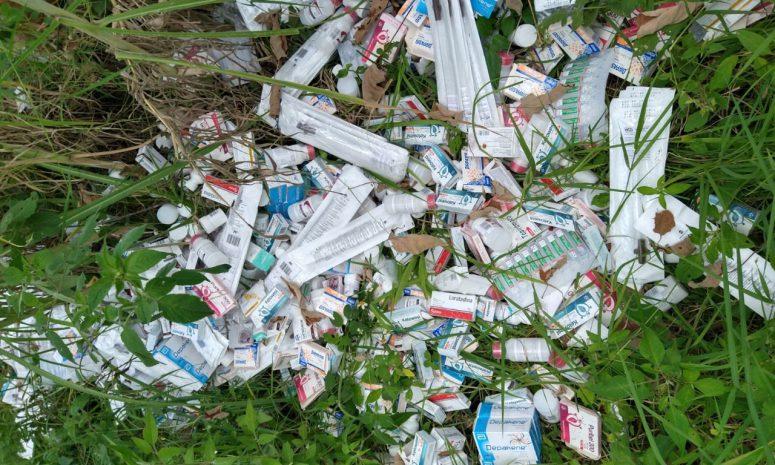 Asegura SS medicamentos hallados en lote baldío de Xalapa